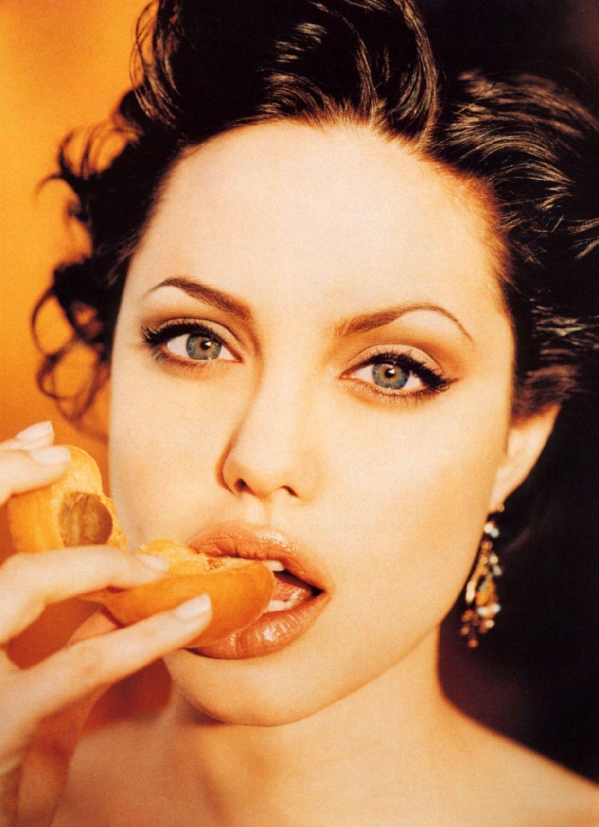 Angelina jolie 1998