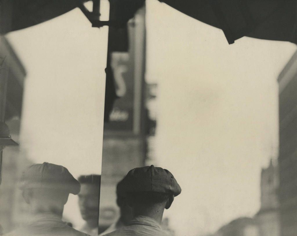 'Saul Leiter: Early Black and White' photo exhibit opens in New York City