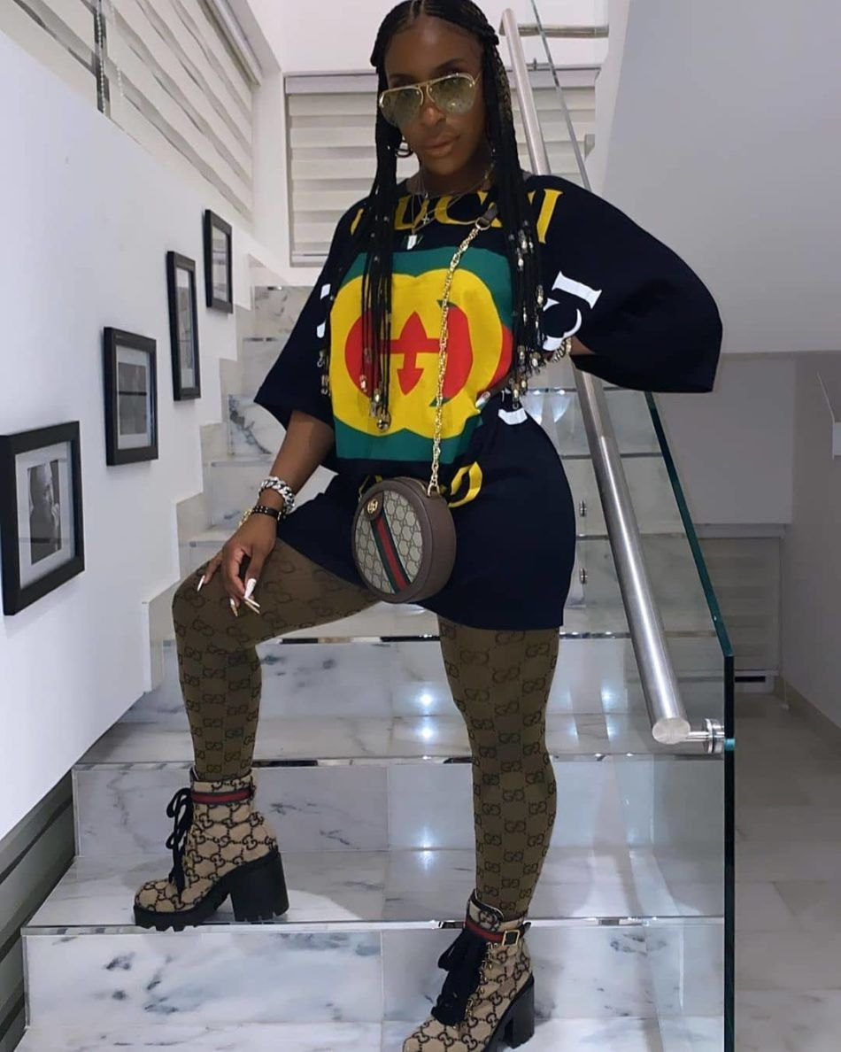 #MOOD @jackieaina    #MOOD  @jackieaina   Follow  @melaninhairstyles  for more natural hair and protective styles content       #prettyhair #instagram #explorepage #instagramalgorithm #bosschick #entrepreneur #braids #braidsgang #hair #blackhairstyles #hairideas #hairinspo #protectivestyles #longhair #creativity #cornrows #twists #knotlessbraids #l4l #creativehairstyles #gucci #fulanibraids #feedincornrows #instagram content #instagram content