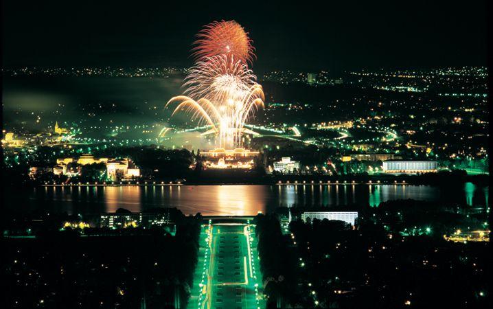 Canberra-fireworks.jpg (718×450)