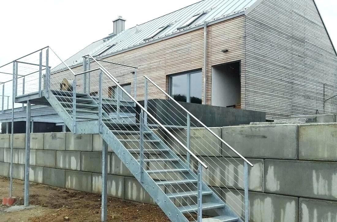 Ziegelhaus design außen aussentreppe verzinkt  haus  pinterest