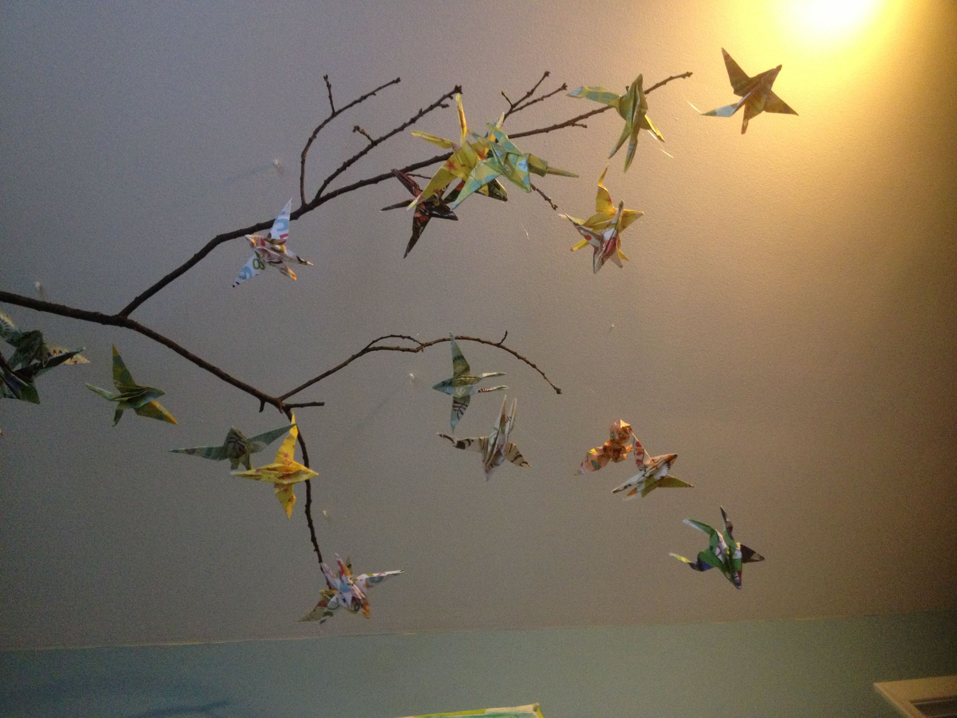 Do it yourself mobile of origami swallows ideas for the apartment do it yourself mobile of origami swallows solutioingenieria Gallery