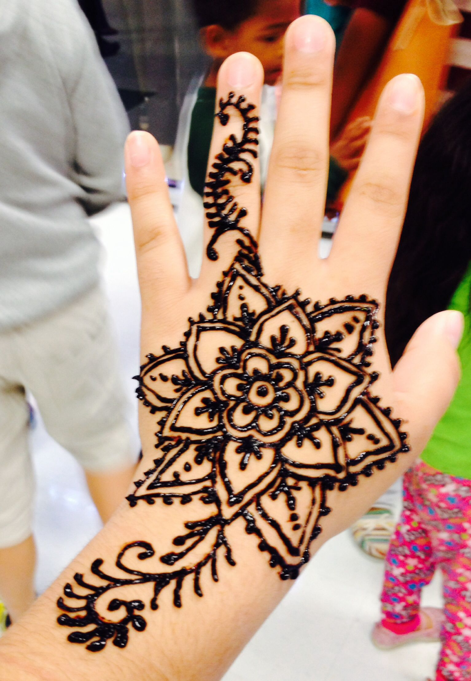 Cute Hand Henna Tattoo Ideas