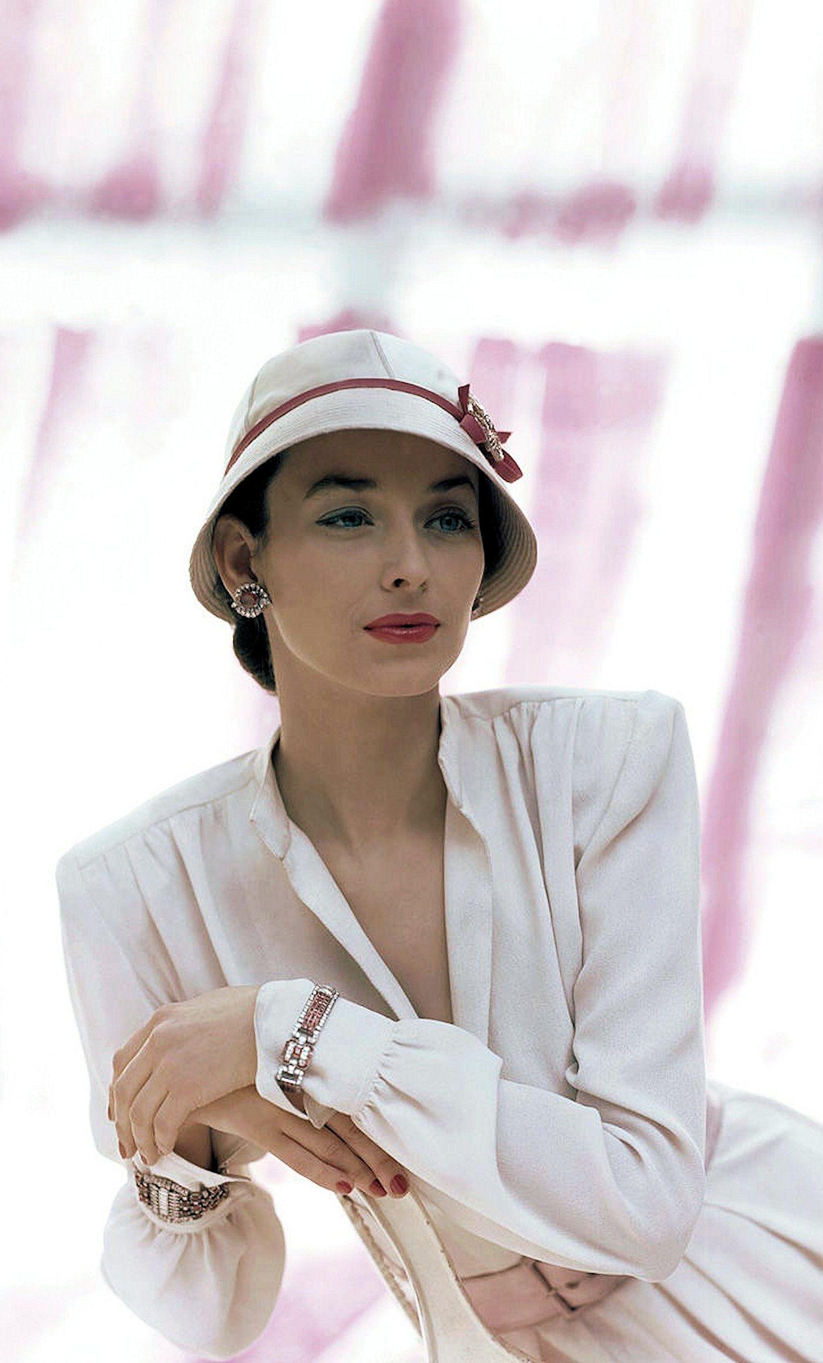 1940s Fashion, Dorian Leigh in Madame Reine cloche and B.H.Wragge ...