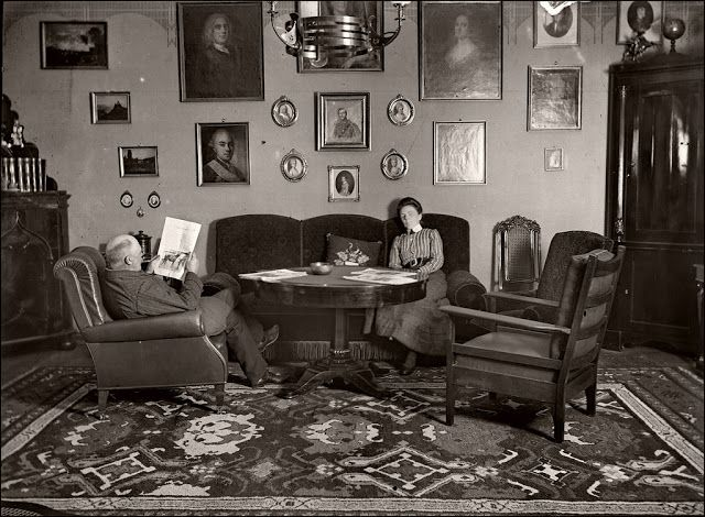 Victorian Edwardian Living Room 36 Interesting Vintage Pictures Show People In Their Parlors Over 10 Vintage Living Room Victorian Living Room Edwardian House