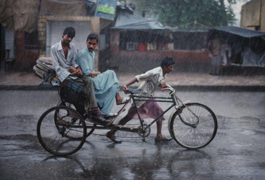 INDIA, Varanasi, Steve McCurry