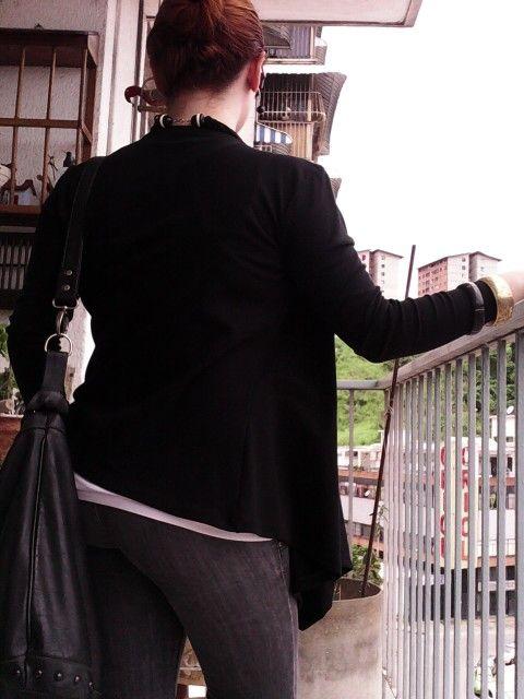 Cardigan negro modelo Julieta (espalda) de Margot Disrños