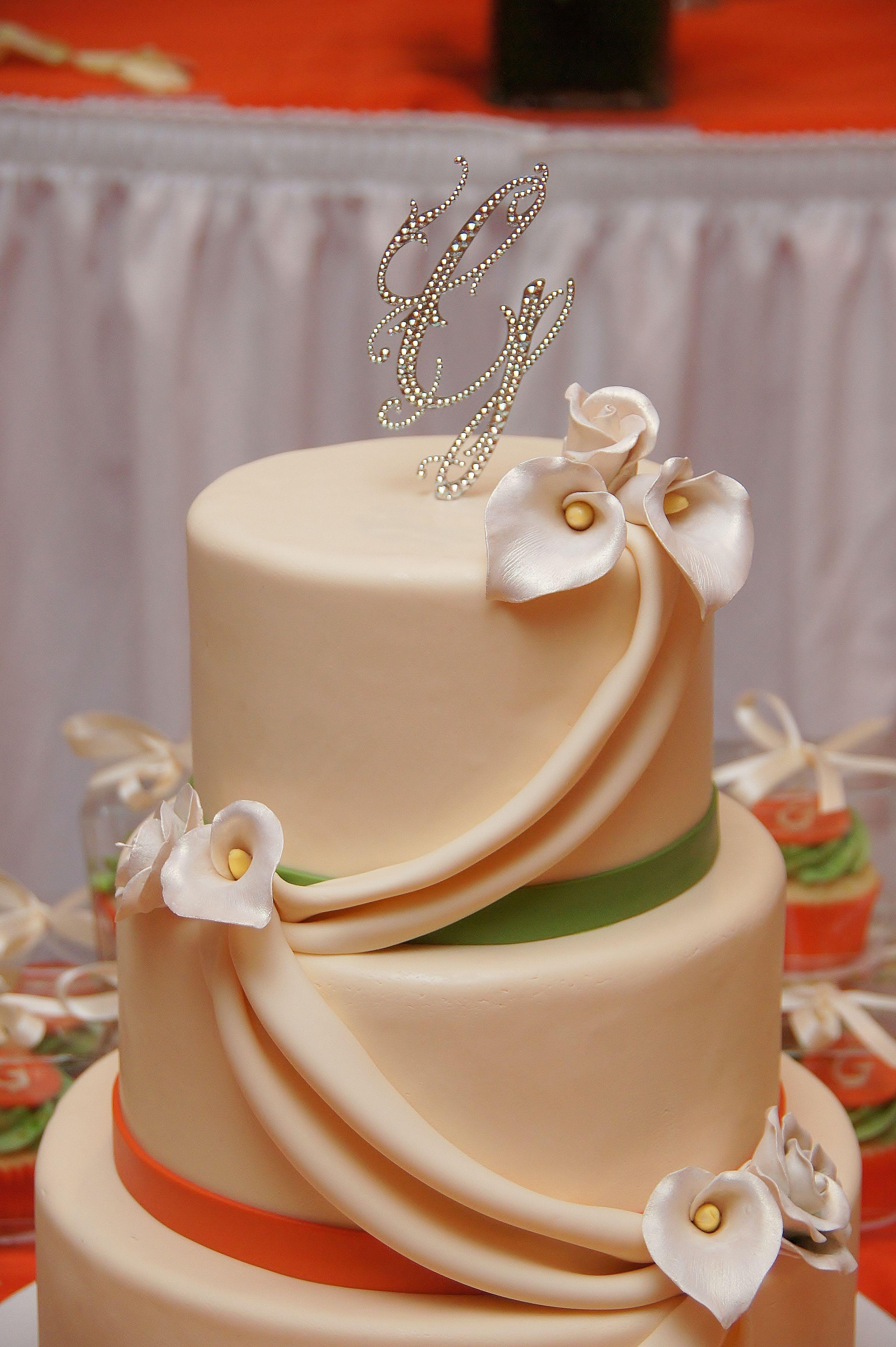 Black fruit cake wedding cakes