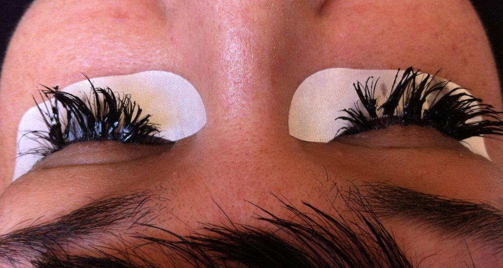 7 Signs of a Bad Lash Job — Nicole Fae Salon | Bad eyelash ...