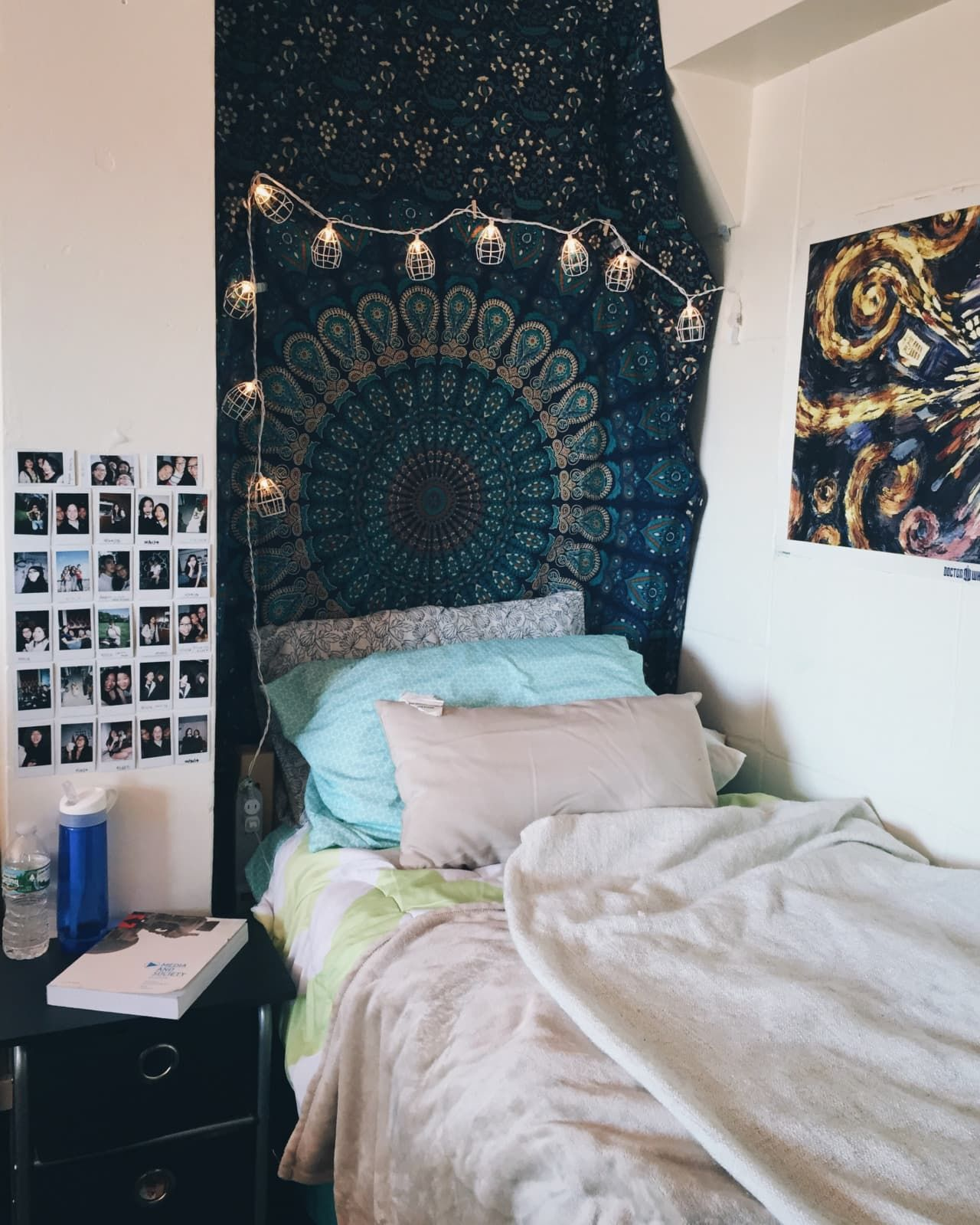 College loft bed ideas  Inspiration from  SuperStylish Real Dorm Rooms u F Yeah Cool