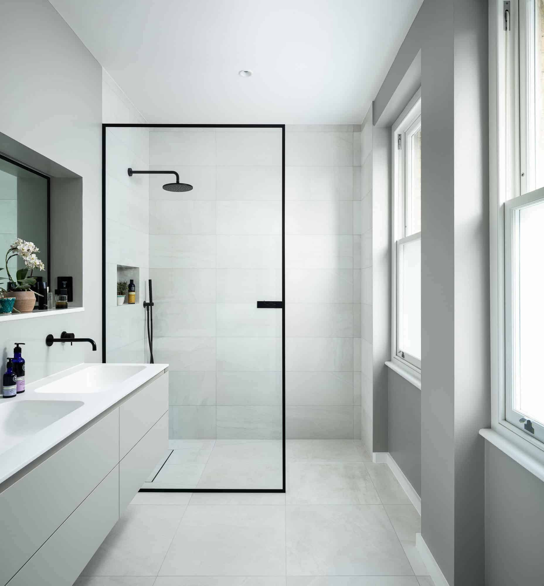 18 Modern Walk In Shower Ideas And Designs For 2020 Photos Showers Without Doors Doorless Shower Walk In Shower
