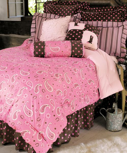 Cow Bedding Set The Pink Paisley Collection Is Perfect For Cows Of Any Age This Gorgeous Comforter Features A Lovely