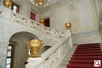 The entrance to the Sisi Museum and the Imperial Apartments is via the imposing Emperors Staircase, which the emperor also used to gain access to his apartments.   Here the first two rooms provide you with information about the Habsburg and Habsburg-Lorraine family and the history of the Vienna Hofburg.