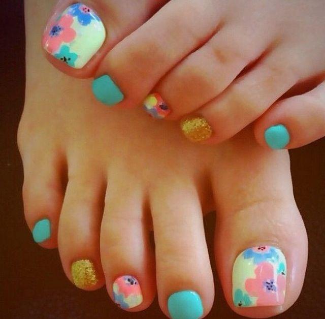 Cute floral print nails
