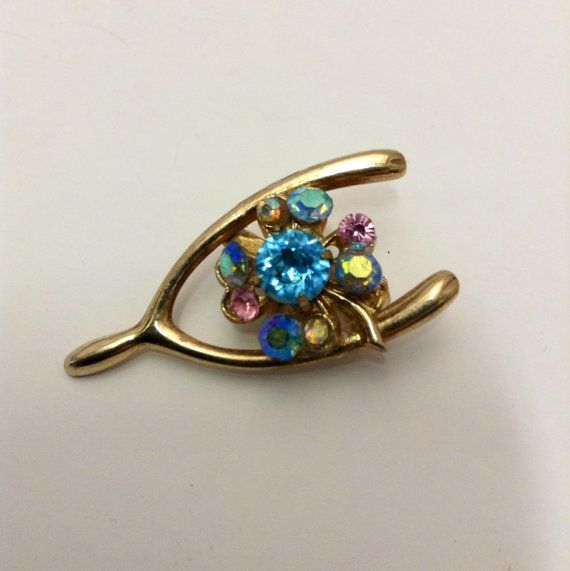 Vintage pin / Good Luck pin / Four Leaf Clover by LilacsNCalico, $12.00