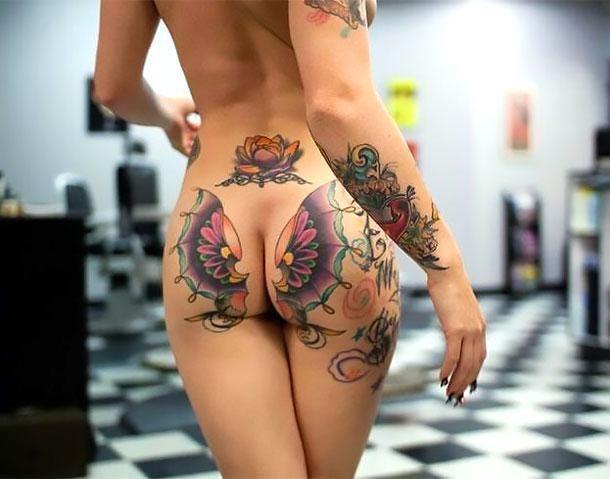 Buterfly tattooed pierced pussy #11