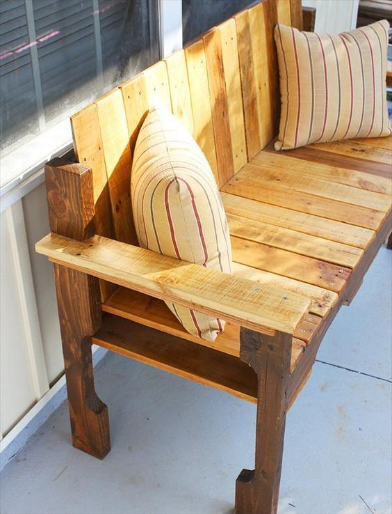 Diy Pallet Farmhouse Bench Front Porch Bench 101 Pallets Pallet Home Decor Pallet Diy Pallet Furniture