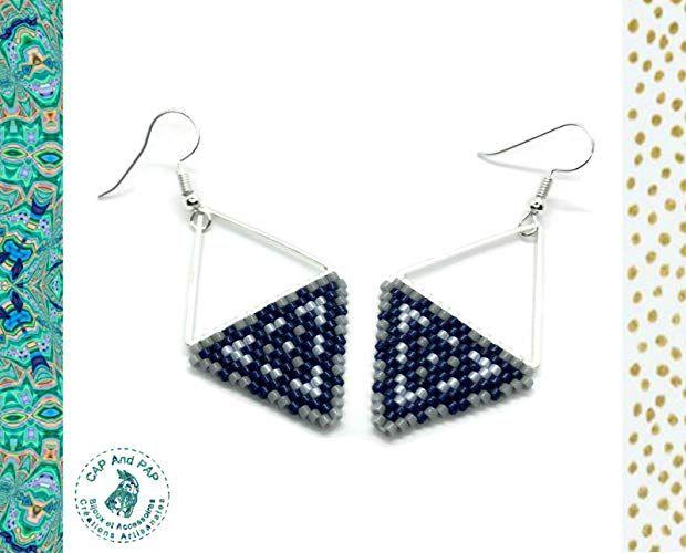beb226d730b4a Boucles d'Oreilles Triangles Bleus et Gris, Géométriques, Légères, Perles  Tissées à