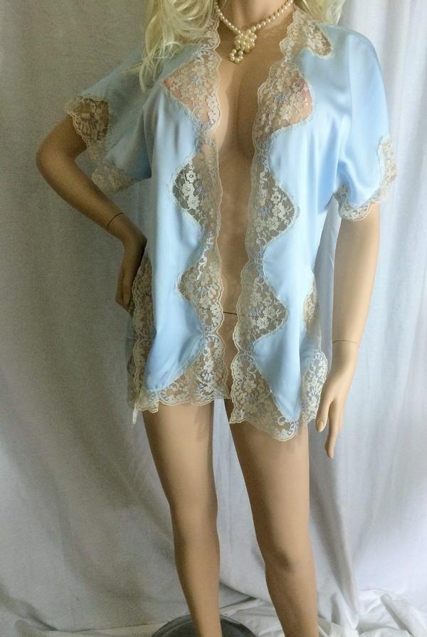 SOLD!!/Vintage Victoria's Secret blue satiny Bed Jacket Lace Trim Petite robe lingerie #VictoriasSecret