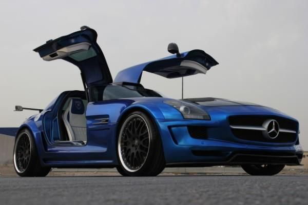 Mercedes Gullwing. Awesome color.