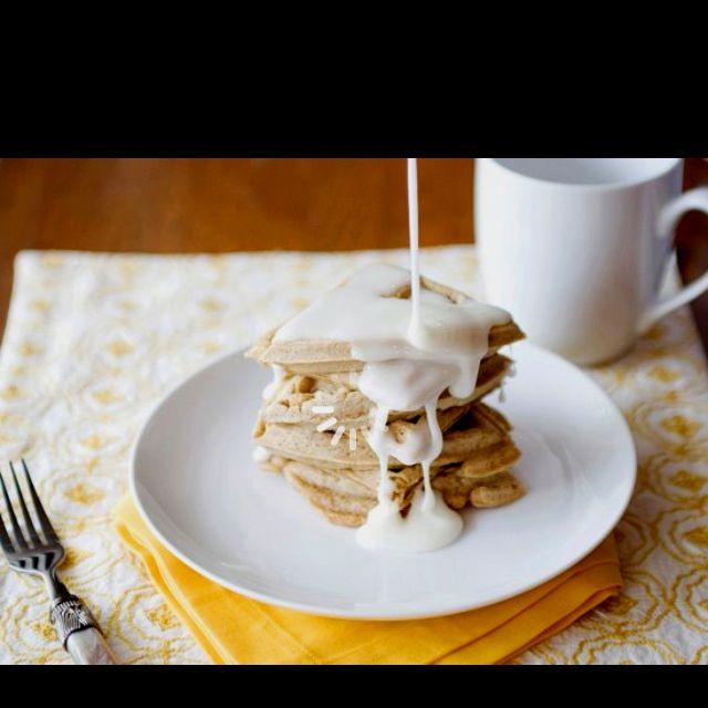 Cinnamon bun waffles @bettycrocker