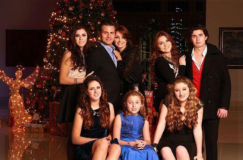 En familia, la primera dama, Angélica Rivera disfruta de la Nochebuena