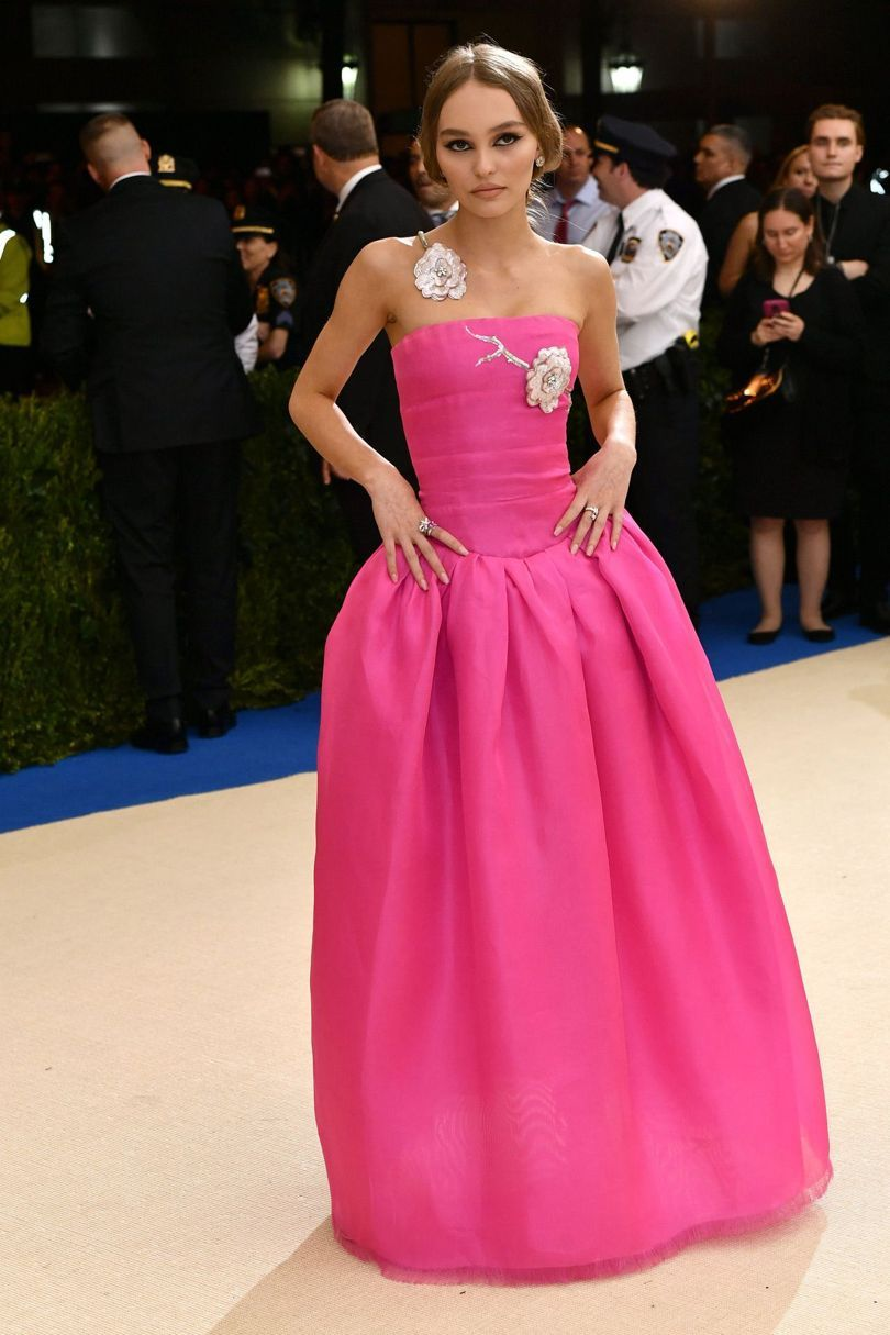 Lily-Rose Depp in a pink gown by Chanel. MET Gala 2017. | Red carpet ...
