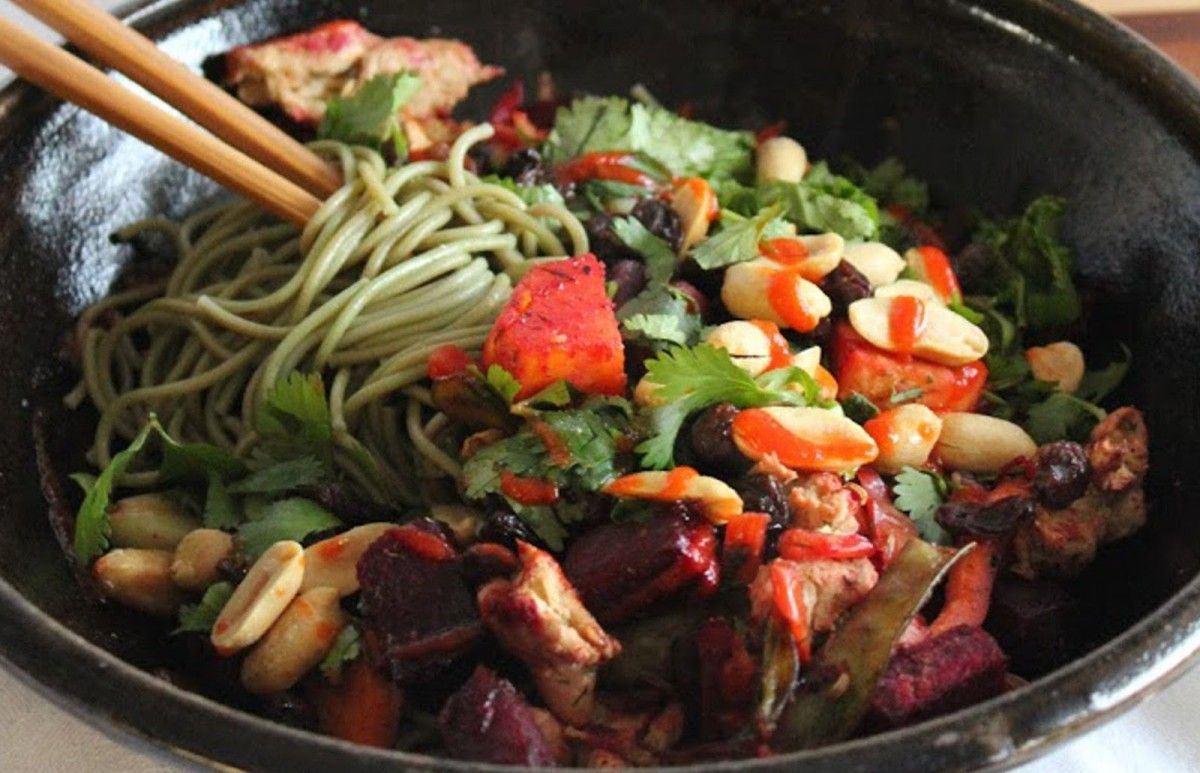 Green Tea Soba Noodles With Roasted Vegetables and Herbs [Vegan] | One Green Planet