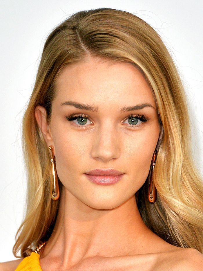 Proof That Rosie HuntingtonWhiteley's Makeup Is Always 10