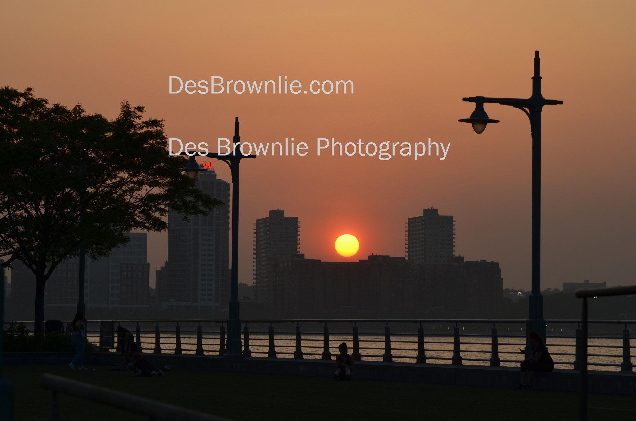 "https://flic.kr/p/toSB74 | Sunset on the Hudson | <a href=""http://www.DesBrownlie.com"" rel=""nofollow"">www.DesBrownlie.com</a>"