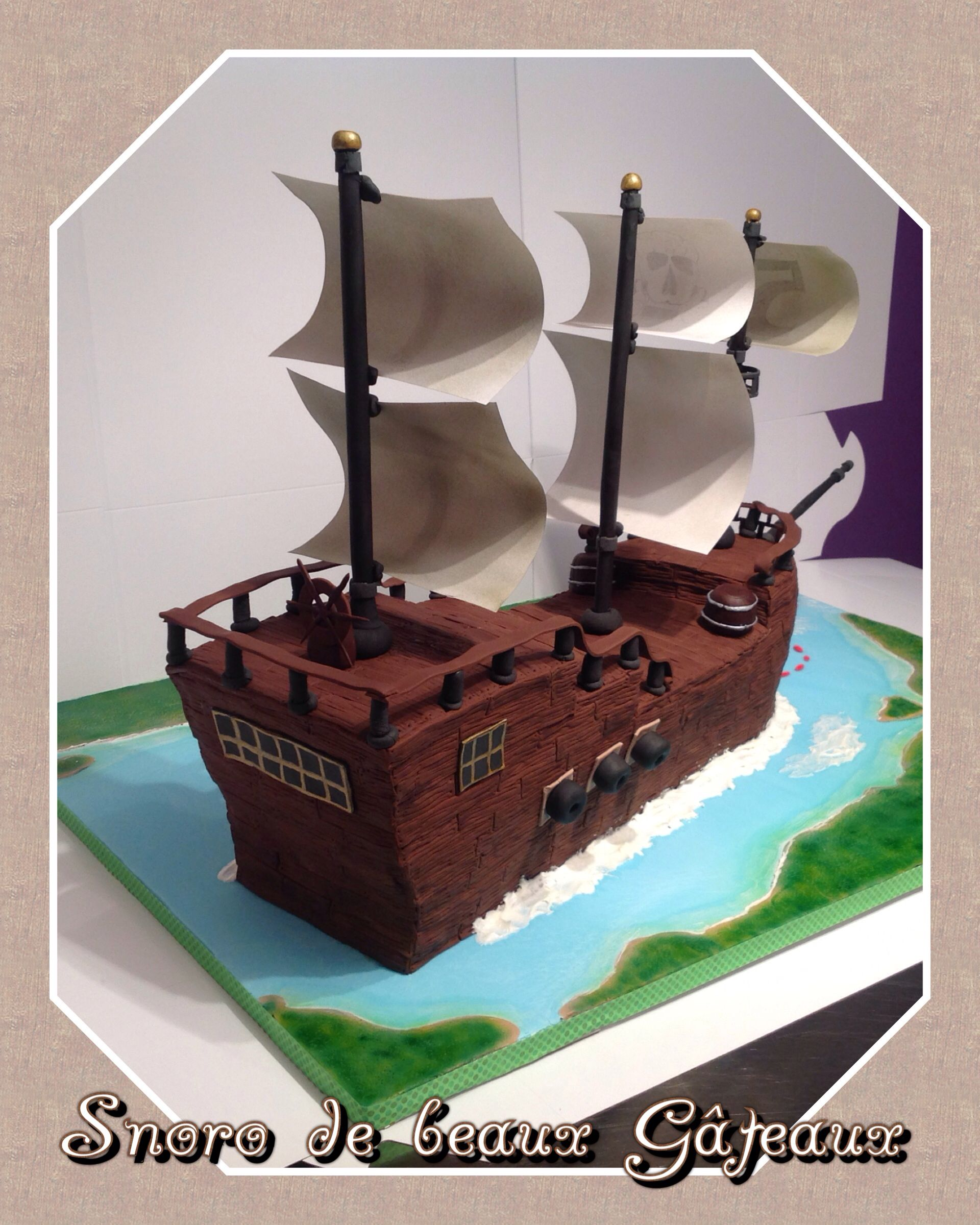 Cake ship pirate bateau de pirate by par snoro de beaux - Bateau pirate peter pan ...