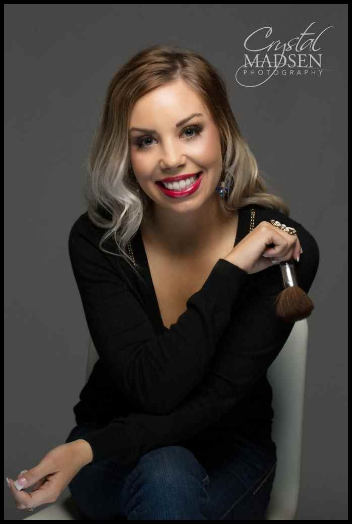 Unique Headshot Ideas Alex Esthetician Shoot Lady Trendy Photoshoot Makeup Makeup Artist Branding Headshots Women