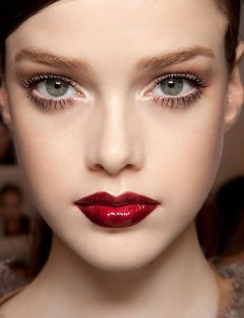 We Like Full Lips That Don T Look Overdone A Little Red Gloss