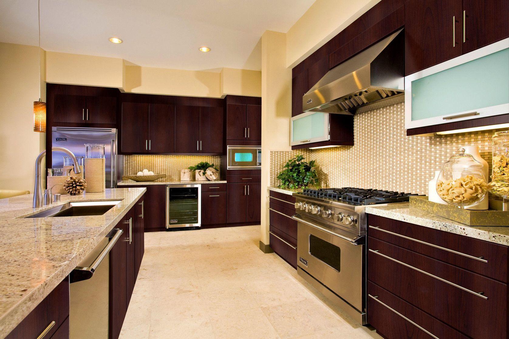 Pin by rahayu12 on interior analogi | Kitchen cabinets ...