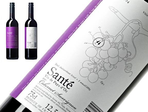Des Etiquettes De Vins Creatives Et Originales Paperblog Etiquette De Vin Etiquette Vin Vins