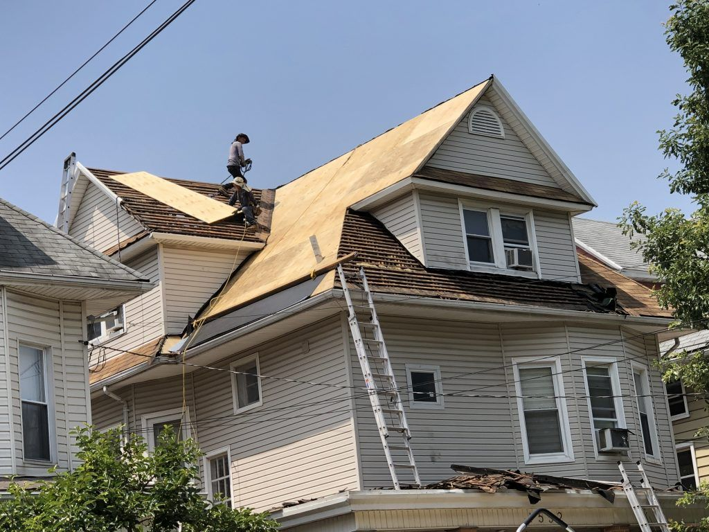 Best Roofing Contractor In Brooklyn Ny Best Roofer In Brooklyn Ny Yelp Roof Repair In 2020 Residential Roofing Roofing Contractors Roofing