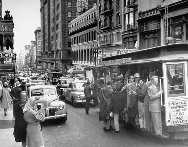 Powell/Mason Cable Car going northbound at Powell and Bush St. 1941.