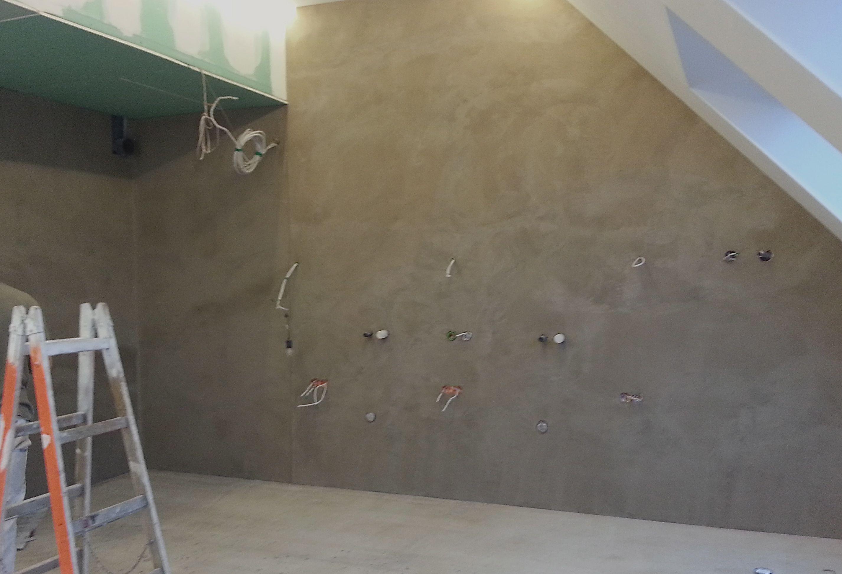 Boden Und Wande In Einem Bad Die Farbe Ist Eine Sondermischung Fur Den Kunden Work In Progress Direkt Nach Dem Spachteln Verarbei Wand Verputzen Bad Wande