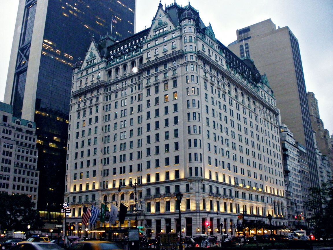 The plaza hotel from the home alone movie click to for New york hotels