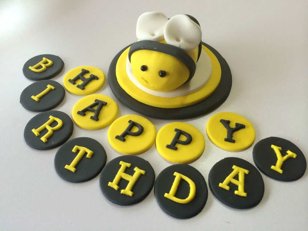 14 Piece Edible Cake Set Cupcake Toppers Happy Birthday Bee Plaque Decorations