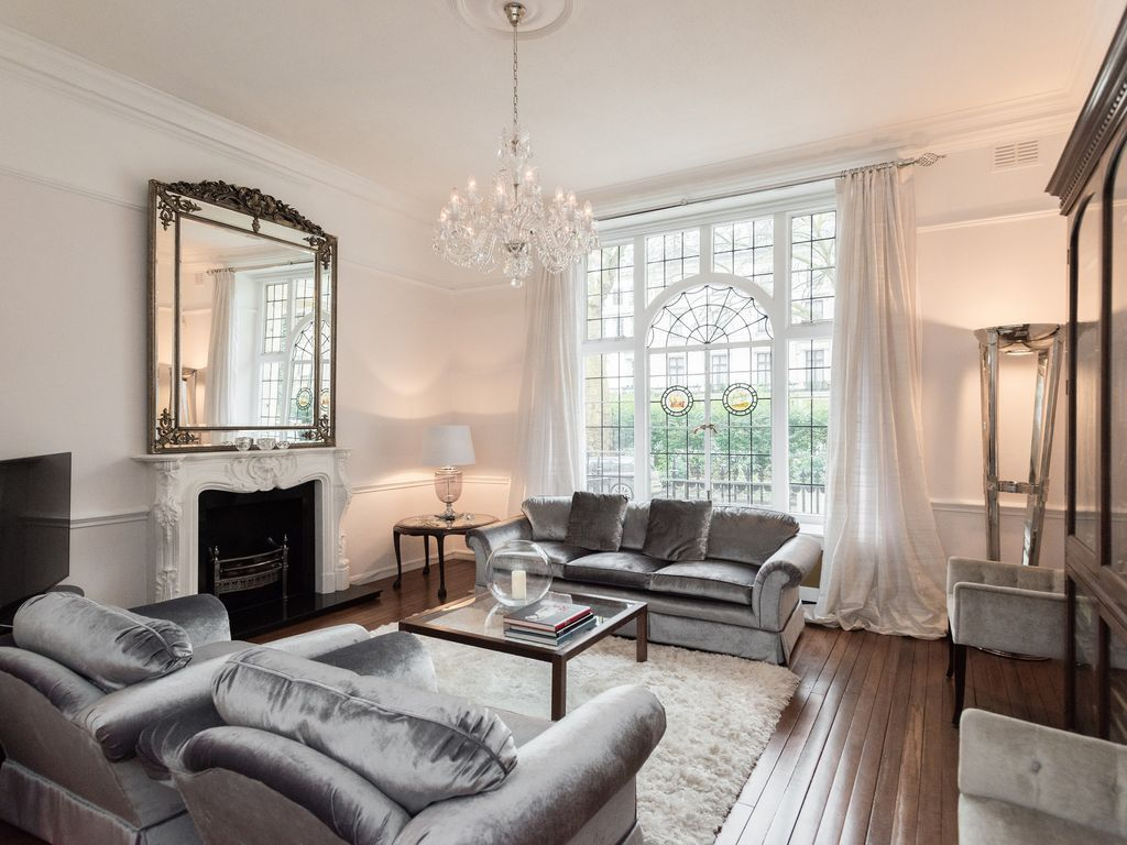 Hyde Park Heathrow Express Luxury Just Minutes Walk From The Heathrow Express At Paddington Train Station The Flat Sleeps 4 People 2 Bedrooms And Is On