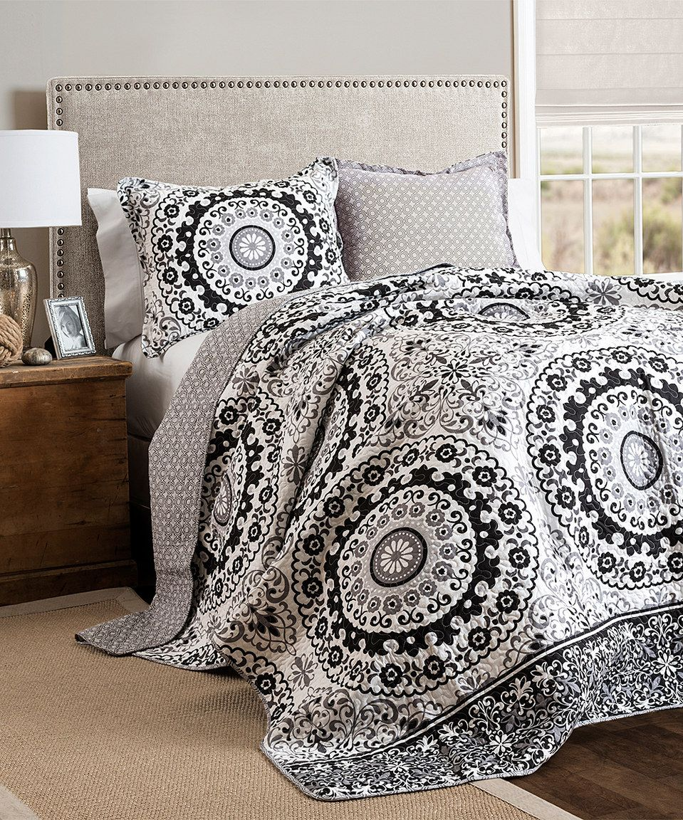 Another Great Find On Zulily Gray Amp Black Rochelle Quilt