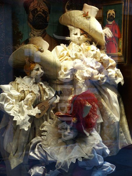 Venetian Window Display Venice Painting Cat Doll Puppets