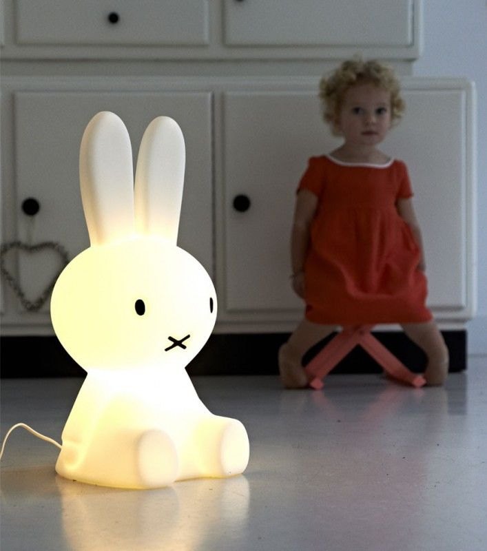 lampe veilleuse lapin miffy soon luminaire chambre enfant luminaire chambre b b et chambre. Black Bedroom Furniture Sets. Home Design Ideas