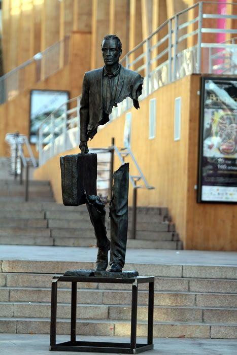 Catalano's Imperfect Bronze Sculptures | YouArts