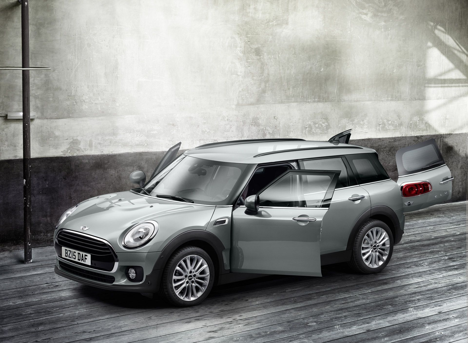 Mini Is Recalling More Than 7 800 Mini Clubman Vehicles From The 2016 And 2017 Mini Clubman Mini Cooper Pictures Mini Cooper Clubman