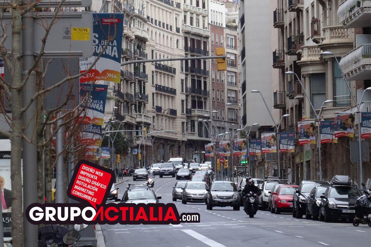 Carrer de Balmes, Barcelona. Grup Actialia ofrece sus servicios en Barcelona: Diseño web, Diseño gráfico, Imprenta y Rotulación. www.grupoactialia.com