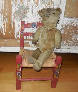 PRIMITIVE-VINTAGE-RED-PAINTED-FOLK-ART-CHILDS-BEAR-DOLL-TOY-WOOD-RUSH-CHAIR