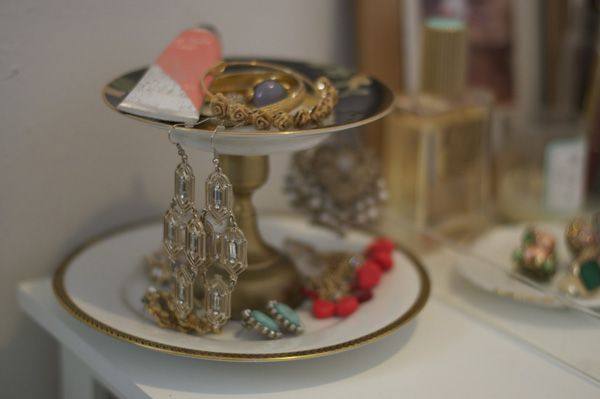 Style Within Reach: DIY: Vintage Plate Stand