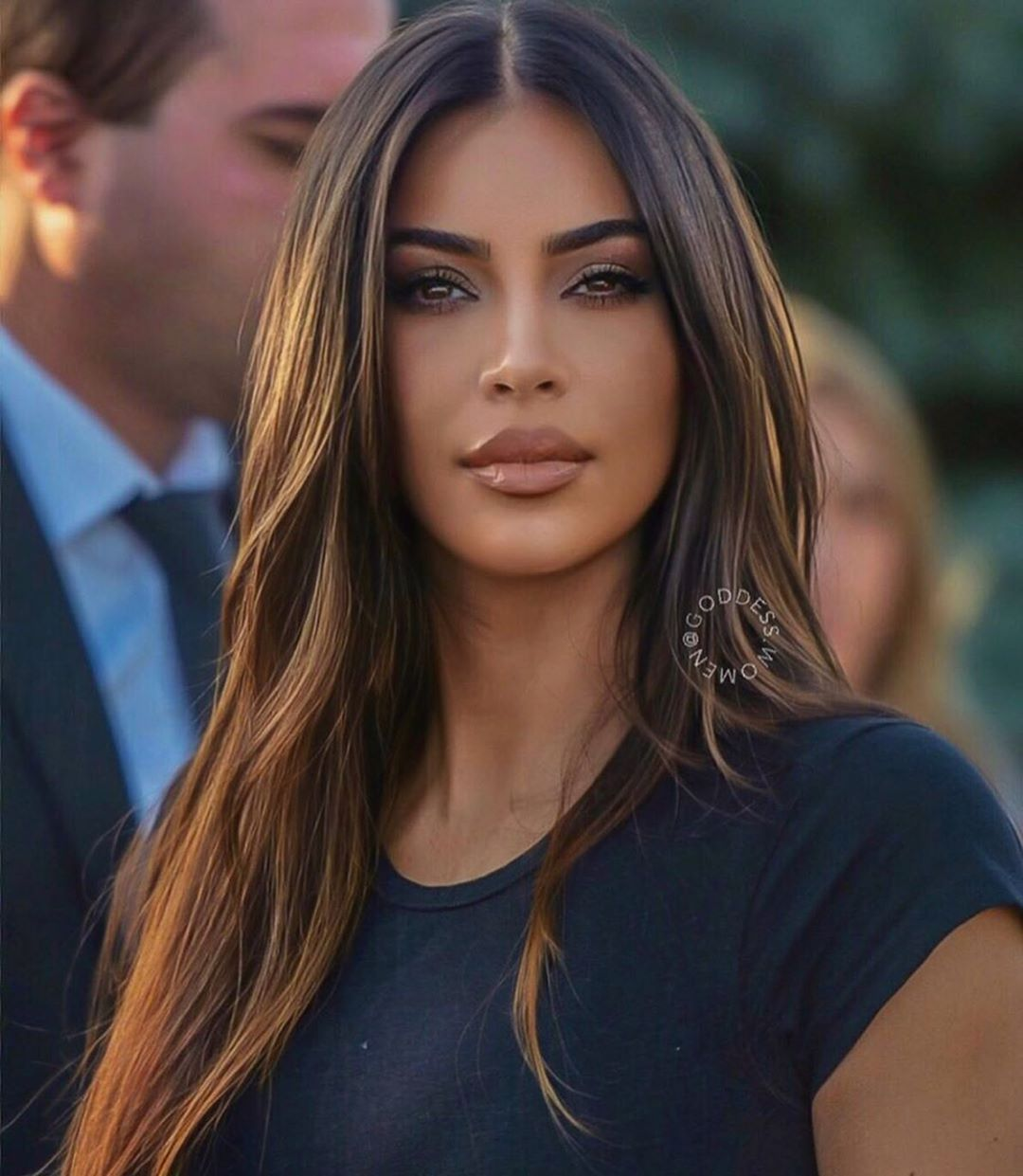 C On Instagram Get You A Partner Who Wants To Invest In You Listen To You Learn From You See Y In 2020 Kim Kardashian Haare Kardashian Frisuren Brunette Schonheit